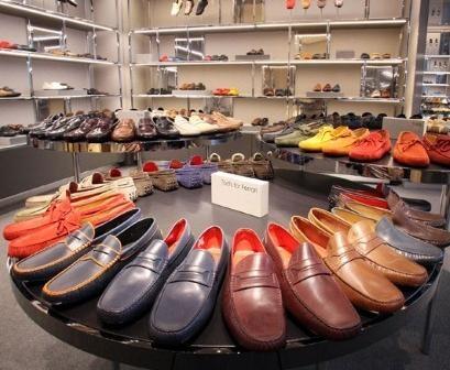 Типичный день в обувном магазине